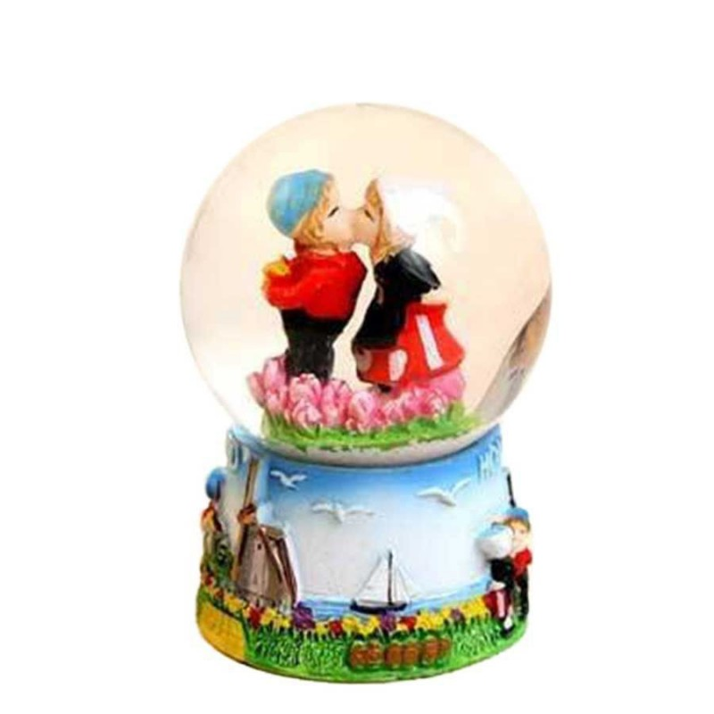 Snow Water Globe Kissing Couple Holland - Snow Globe 6cm