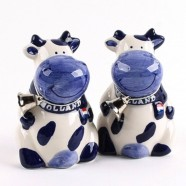 Cows Salt and Pepper Cow with Bell - Delft Blue