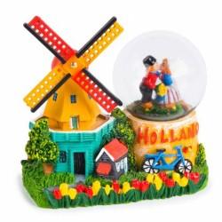 Windmill Kissing Couple - Snow Globe 9cm