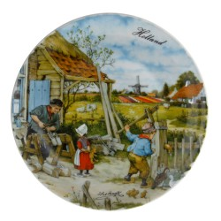 Wall Plate Wooden Shoe Maker - Large 24cm