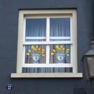 Flat Flower - Yellow Tulips Delft Blue Tulipvase